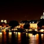 Światła Sekwany - miasto nad rzeką nocą - by Swiv
