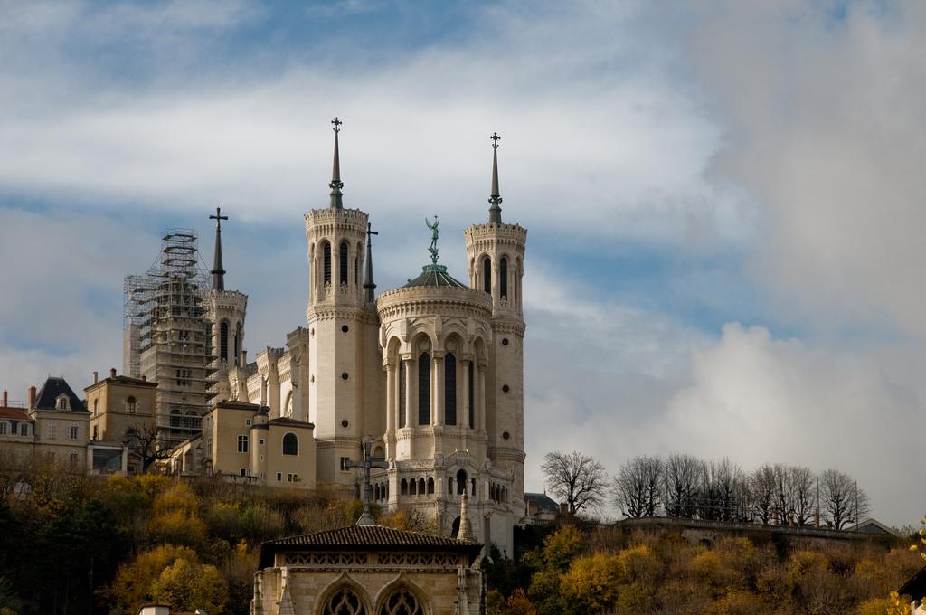 Bazylika Notre Dame w Lyonie by franklin_hunting
