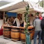 Beczki wina na festiwalu w Tignes by missy & the universe