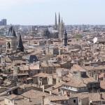 Bordeaux - w oddali katedra Saint Michel - by hdes.copeland