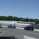 Chyba najdłuższy statek wycieczkowy na rzece jaki widziałem - Awinion - rzeka Rodan - Połudnowa Francja - by ell brown