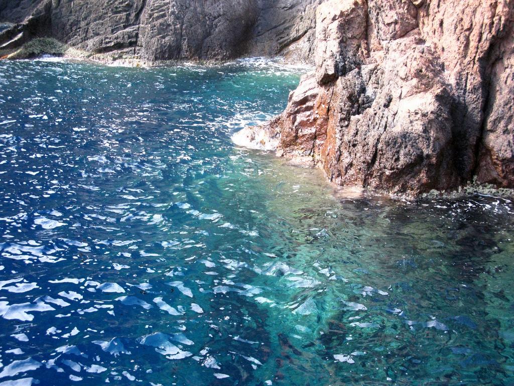 Czyste morze - Rezerwat - Korsyka - by Rox More