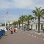 Droga wzdłóż plaży w Nicei - Lazurowe Wybrzeże - Riwiera Francuska by Wilson Loo