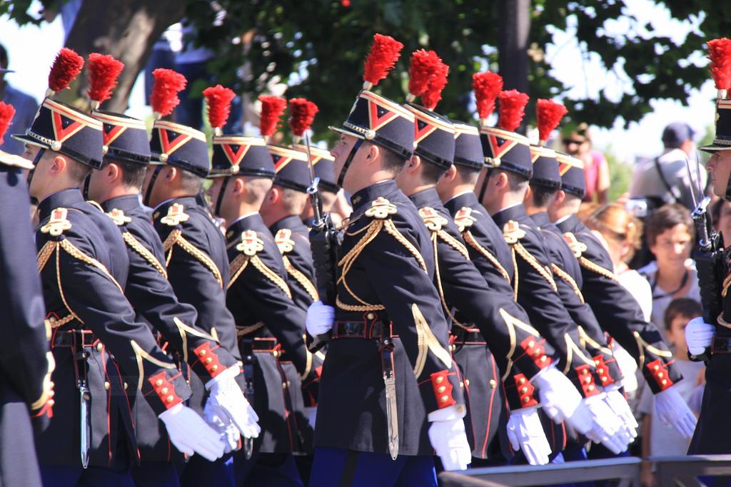 Francuskie wojsko w strojach z rewolucji francuskiej by escalepade