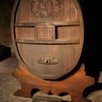 Historyczna beczka do produkcji szampana by Megan Mallen