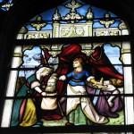 Jeden z witraży  w kościele Chartres by ho visto nina volare