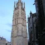 Jedna z wież katedry Saint Andre w Bordeaux by hdes.copeland