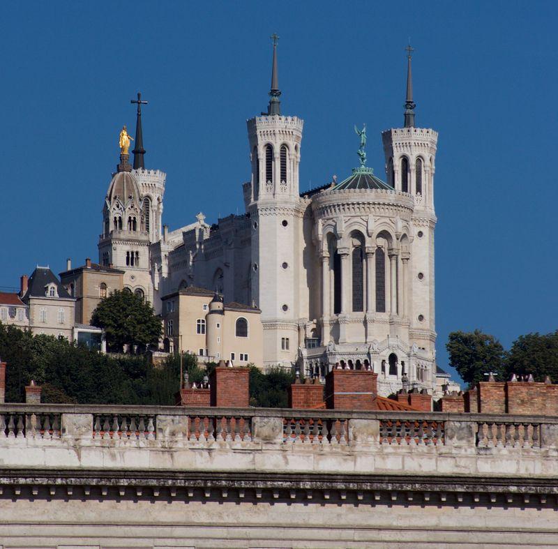 Katedra Notre Damy - Lyon - by Raven Photographic
