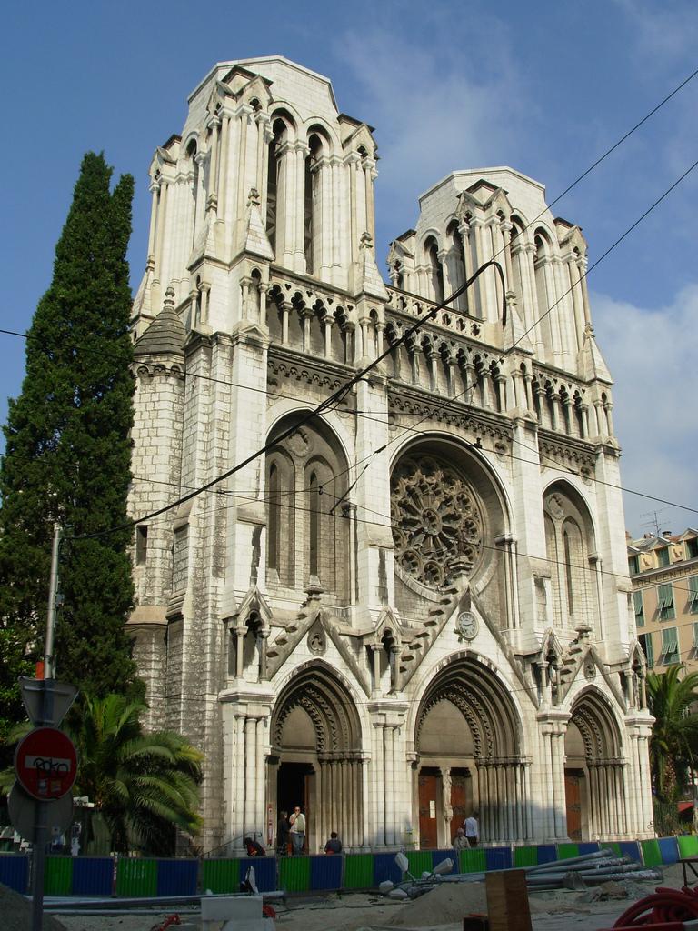 Kościół w Nicei na południu Francji - Lazurowe Wybrzeże - by Wilson Loo