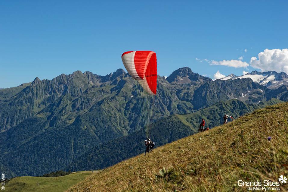 Lotnia - spadochron - Pireneje - Francja by La Collection Grands Sites de Midi-Pyrénées