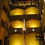 Lyon - Hotel Gadagne w nocy by JaHoVil