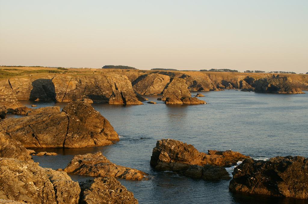 Morbihan  Belle-île-en-mer  Sauzon, côte sauvage - Kamienie - by vincent ☆