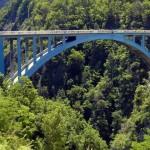 Most Pont de Ponsonnas we Francji  z którego zkacze się na bungee by Hodowca