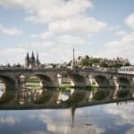 Most na Loarze w miejscowości Bois by Javier D.