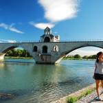 Most na rzece Rodan w Awinionie we Francji by Yuting Hsu