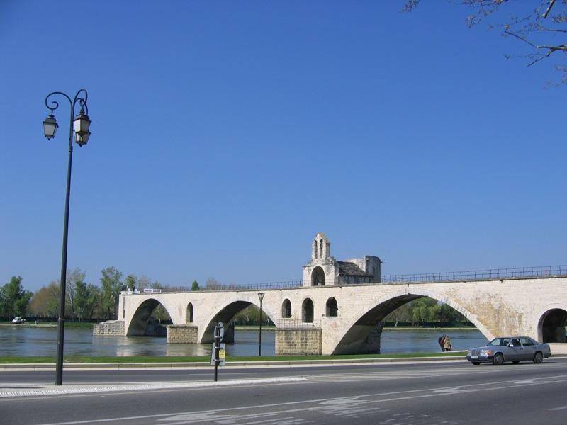 Most w Awinionie na rzece Rodan - Francja - by tpholland
