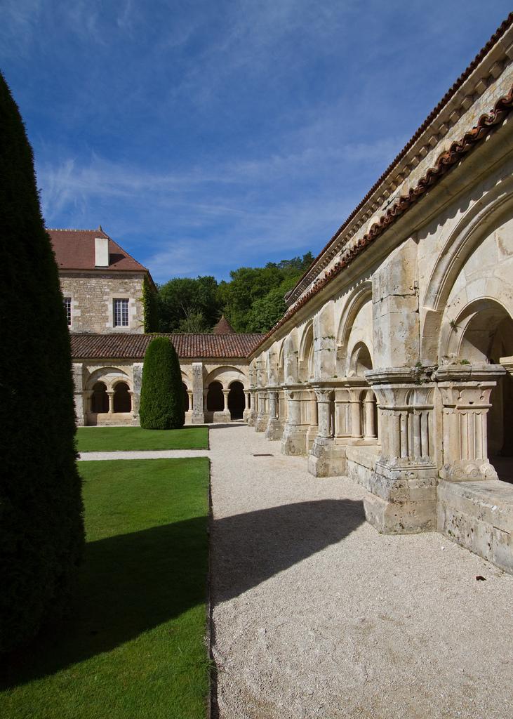Na terenie opactwa Fontenay by Sylviane Moss