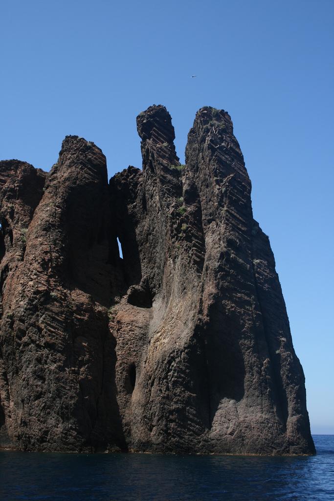 Niespotykane skały Scandoli - Korsyka - by Julie °_°