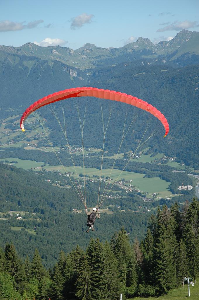 Paralotnia - Francuskie góry - by Pascal Vuylsteker