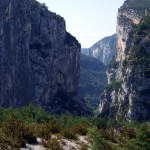 Skaliste zbocza kanionu Verdon - by ebygomm