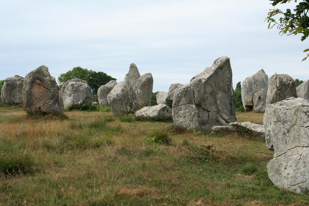 Skupiska kamieni w Carnac we Francji - by cocoate.com