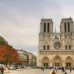 Spacerując po Paryżu - obok katedry Notre Dame -  by Christopher Chan