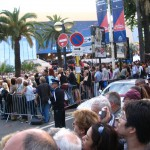 Tłumy gapiów podczas Festiwalu w Cannes by ecololo