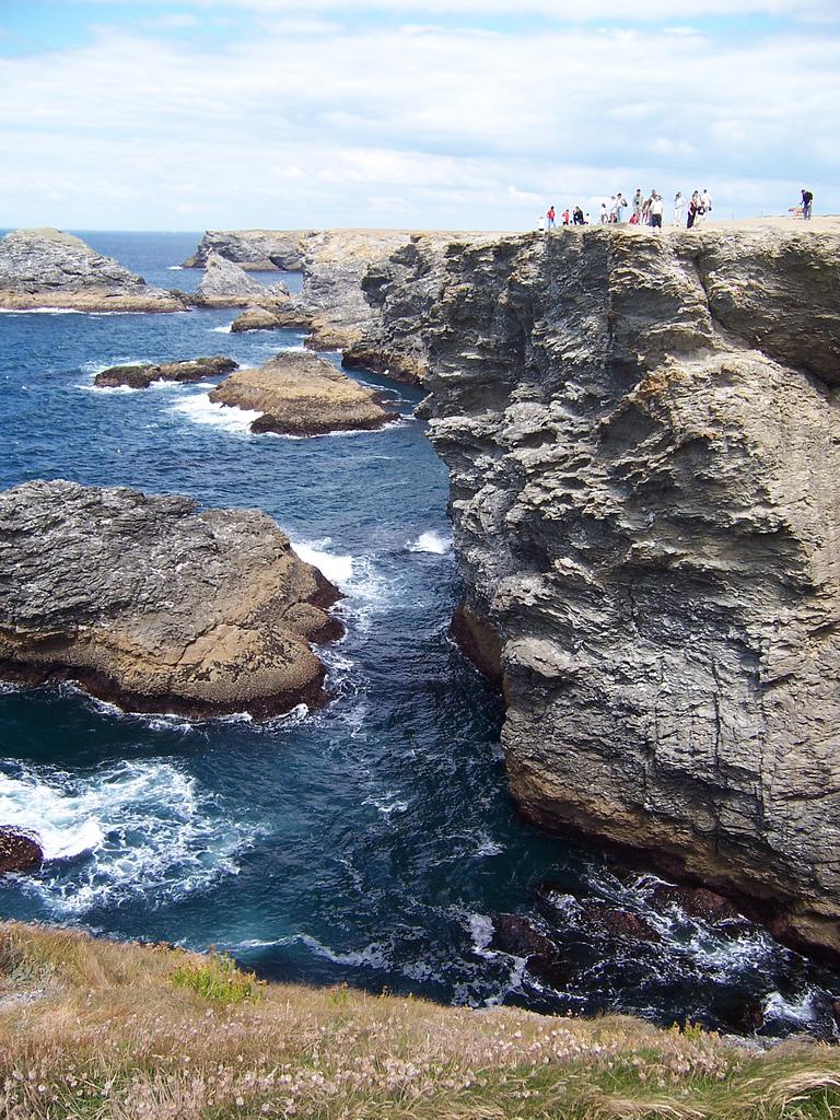 Te skały warto zobaczyć - Morbihan - Francja by steve.grosbois