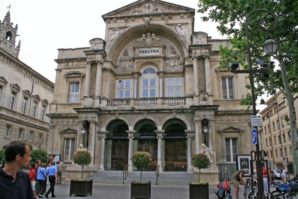 Teatr w Awinionie  by abrocke