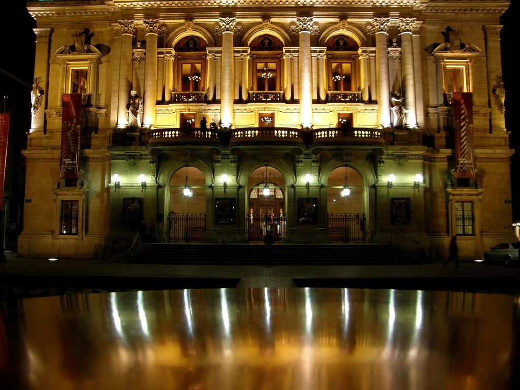 Teatr w Lyonie by darijus