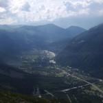 Widok na Chamonix ze szczytu Mont Blanc by Mat Strange