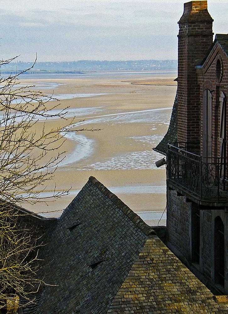 Widok z klasztoru Mont Saint Michel by ah zut