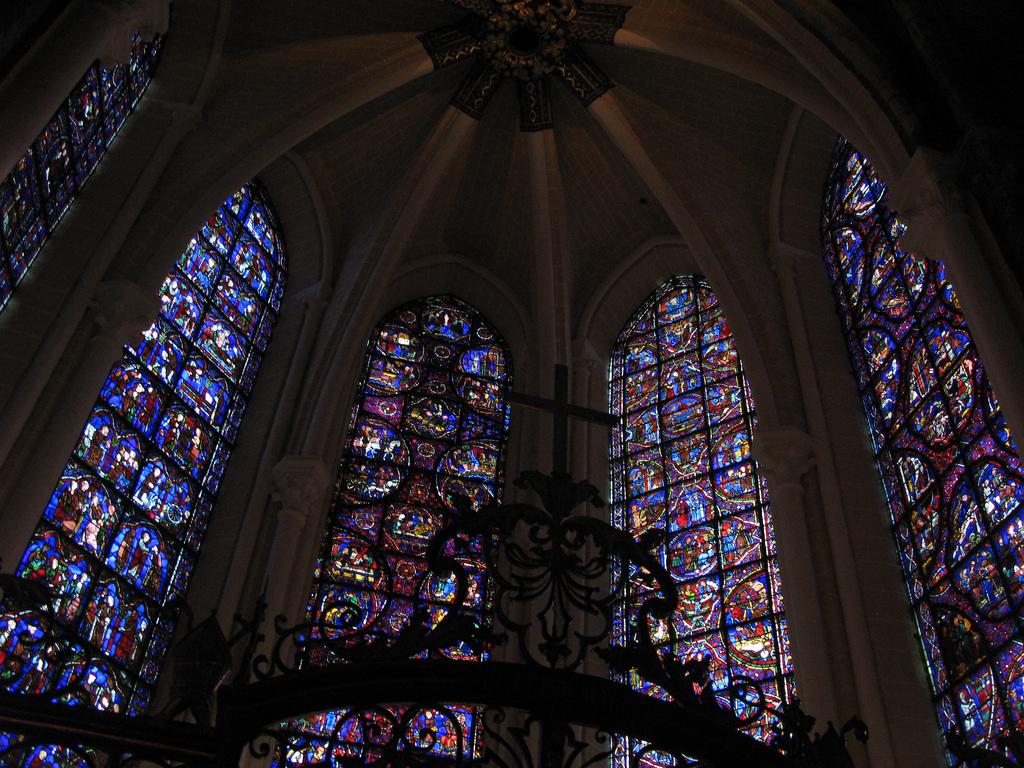 Witraże w katedrze Chartres by ho visto nina volare