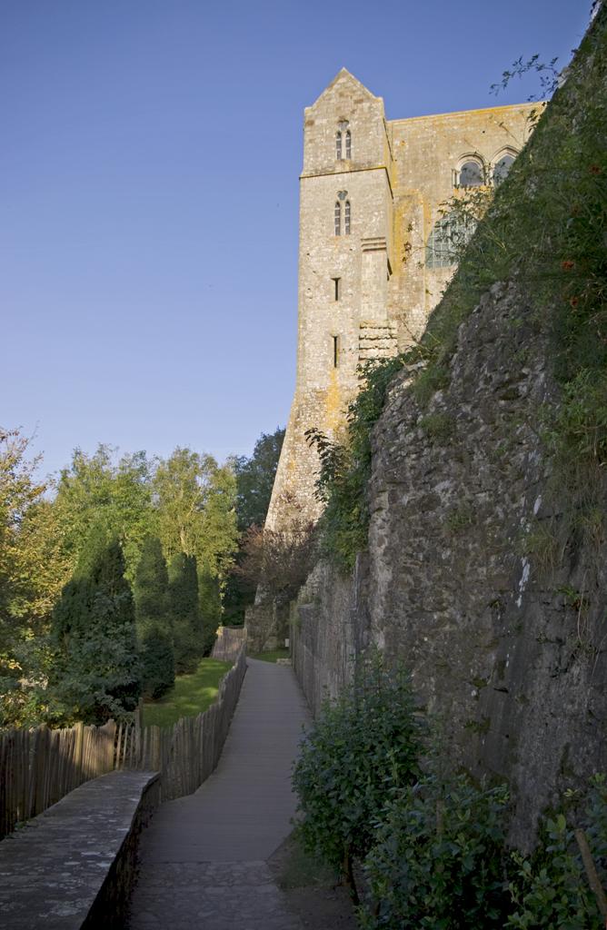 Wnętrze Mont Saint Michel  by chogenbo