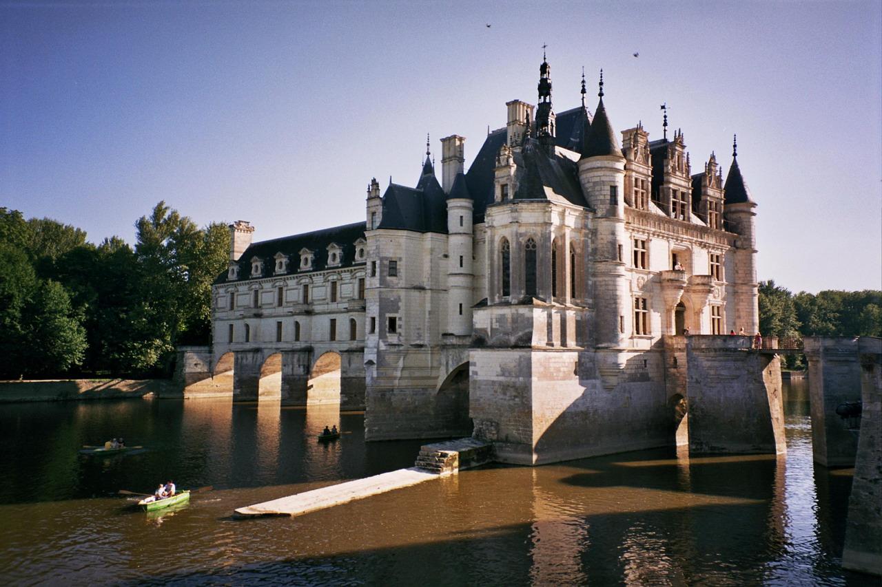 Zamek Chenonceaux we Francji by Javier D.