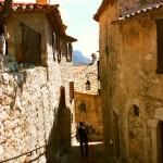 Średniowieczne uliczki Eze we Francji - by RebecaAR