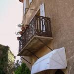 Balkon jednego z domó w w Eze - Francja - by CHRIS230