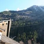 Chamonix - liny kolejki na szczyt - by Sally Payne
