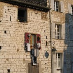 Ciekawy sposób suszenia prania - Miasto Vence - Południowa Francja - by SJL