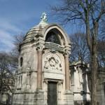 Cmentarz Pere Lachaise - Jeden z grobów - by Olivier Bruchez