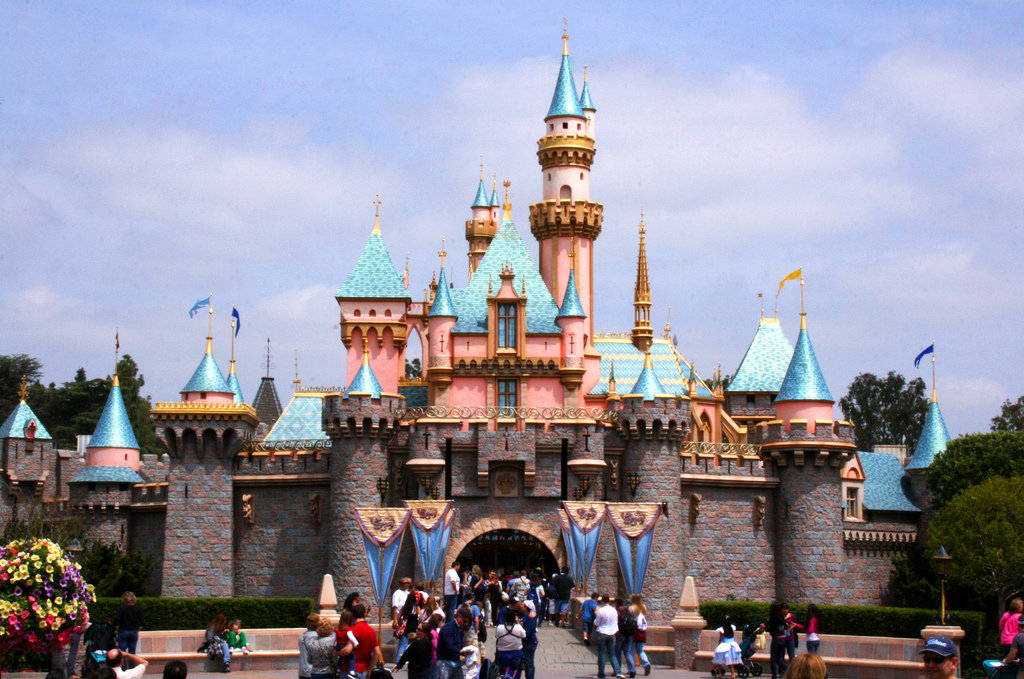 Disneyland - Paryż Francja -  by photographerglen