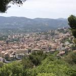 Grasse - widok miasta z oddali - by nhanusek