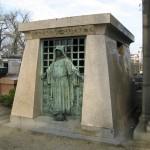 Grobowiec - Sarkofag - Cmentarz Pere Lachaise - by Olivier Bruchez