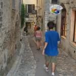 Idąc uliczkami Saint Paul de Vence -  by paula soler-moya