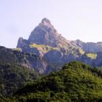 Jeden ze szczytów Alp Francuskich - widok z Annecy - by Keith Laverack