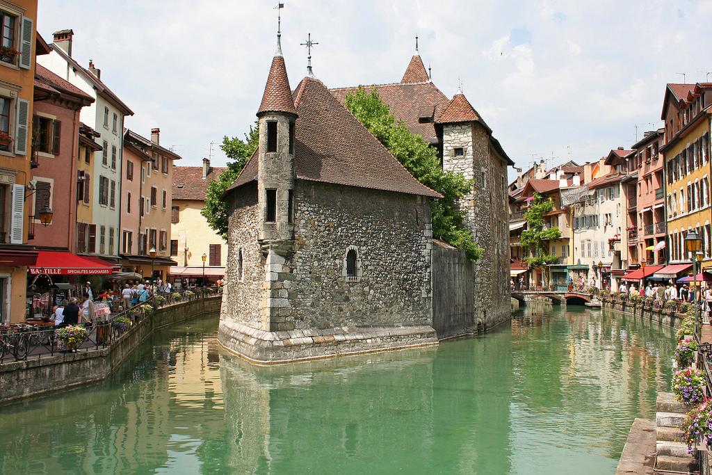 Kanały w miejscowości Annecy - by Franco Caruzzo