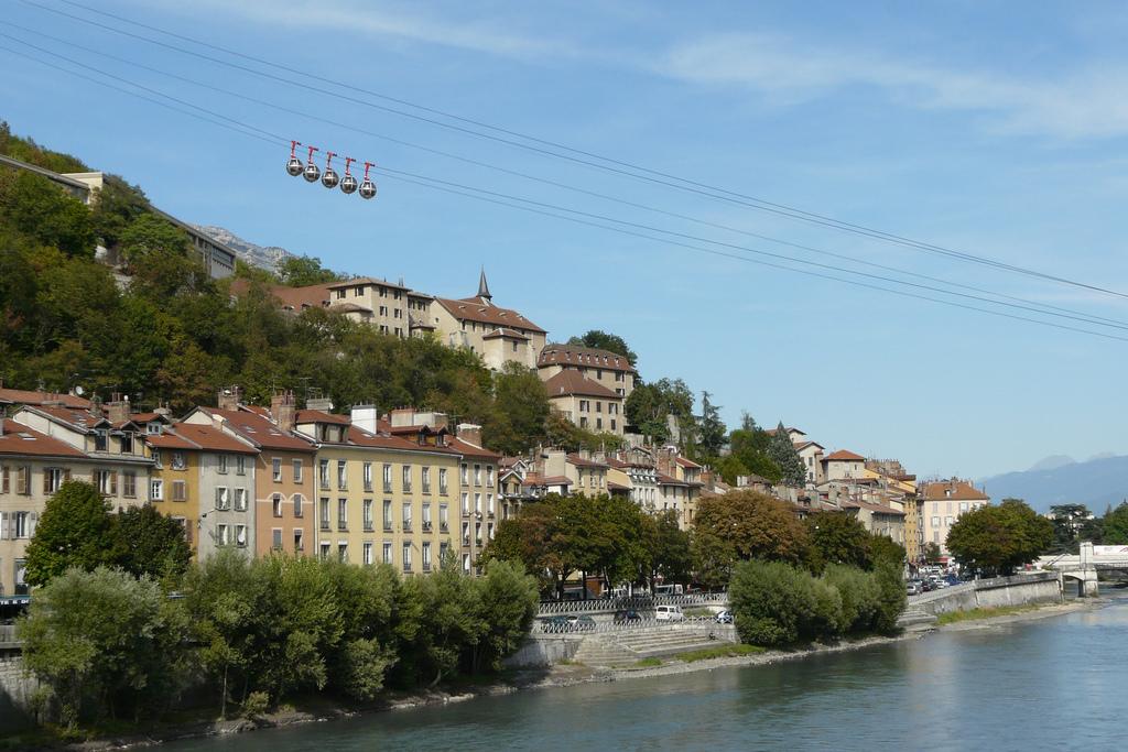 Kolejka linowa w Grenoble - by Matthieu Riegler
