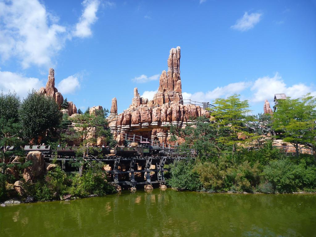 Kraina pogranicza - westernów - Disneyland - by b00nj