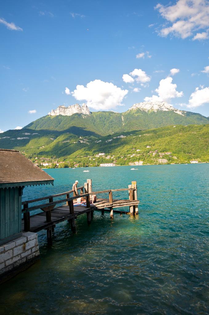 Motek i domek - jezioro Annecy - by Emerging Birder