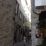 Na jednej ze średniowiecznych uliczech Sain Paul de Vence - by Britrob